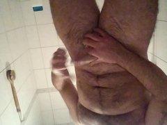 jerking of vidz in the  super bathroom