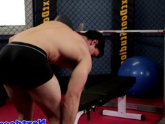 Gaysex muscle vidz jock wanking  super at the gym