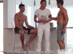 HD GayRoom vidz - Threesome  super with the delivery guy