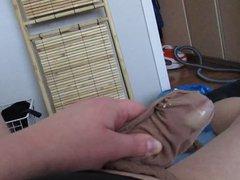 Wanking in vidz tan tights