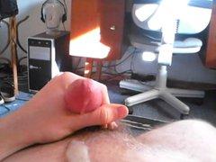 Cumming on vidz my body