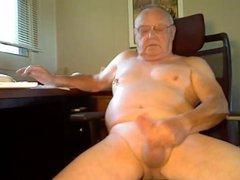 Grandpa Shoots vidz His Load
