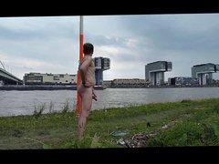 Wanking in vidz city besides  super river