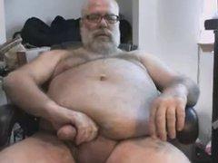 Papa Masturbates vidz and Cums