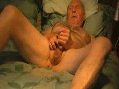 Grandpa eat vidz own cum