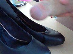 cum on vidz girlfriends shoes