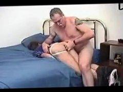 Junge schwul vidz wird sehr  super hart von einem alter Mann gefickt