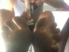 Smoking and vidz Feet