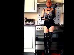 Tranny Housewife vidz Kitchen Smoke