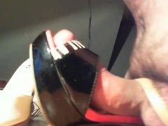 Playing with vidz spanishoefetishcoupl sandals