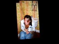 A girl vidz on a  super toilet cum tribute 8