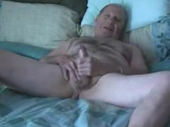 Grandpa slowely vidz wanks and  super cum on plate
