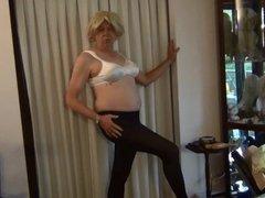 Naughty Gigi vidz modeling slips