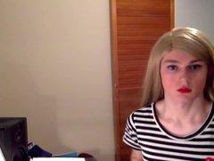 Pretty teen vidz criossdresser with  super lipstick