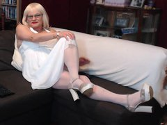 basque an vidz white dress