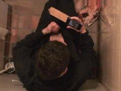 Str8 spy vidz boy in  super public toilet