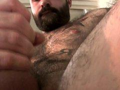 Hairy Bear vidz Jerking Off
