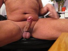 Playing with vidz my cock........