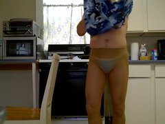 nakedguy1965 is vidz a cross  super dressing wierdo