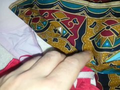 cum on vidz wife's red  super bra with heplers bra