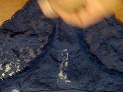 Cum un vidz blue panties