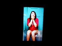 A girl vidz on a  super toilet cum tribute 17