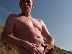 bold exhibitionist vidz dick on  super the beach