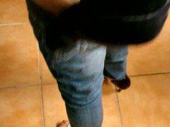 Milf teasing vidz in jeans