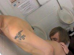 High School vidz Boy's Toilett  super Fuck Bare