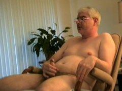 d4ddy watching vidz porn