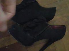 Huge load vidz for suede  super ankle boots