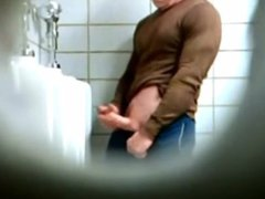 Spy on vidz big cock  super jerking at the urinal