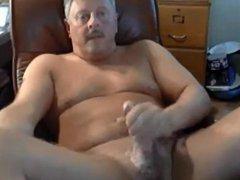 Hot daddy vidz jerking off