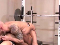 hunks in vidz the gym