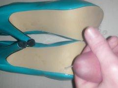 High heels vidz cummed on