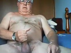Married daddy vidz stroking his  super creamy dick again
