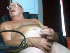 Grandpa srtoking vidz his mushroom  super dick
