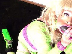 Bbc Bimbo vidz Bimbogiga Gags  super On Bbc In Neon Bimbo Outfit