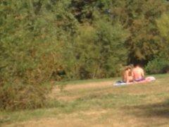 Nice ass vidz at public  super lake. Am See mit geiler Badehose