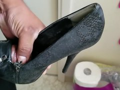 Stroking with vidz heels