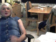 En blonde vidz et en  super jeans.