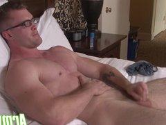 Scott shoots vidz a load  super of hot cum all over his six pack stomach