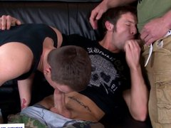 Stud Marcus vidz Moyo spitroasted  super on couch