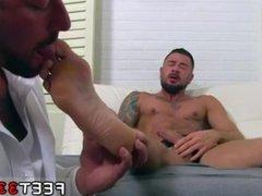 Free movie vidz of mens  super sucking feet gay Dolf's