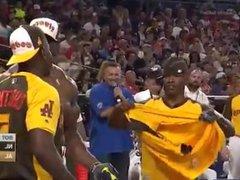 Terry Crews vidz Showing Off  super Flexing At Baseball Game