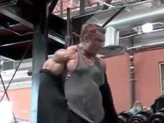 Lee Priest vidz Muscle Monster.