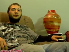 Straight dude vidz watches TV  super while he gets sucked off by Joe