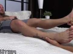 Porno gay vidz oral feet  super Brothers Brayden & Drake Worship Each Others' Feet