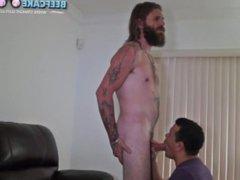 Bearded Gary vidz fucks 8inch