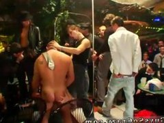 Download 3gp vidz gay sex  super group cum clip Looks like the only thing getting